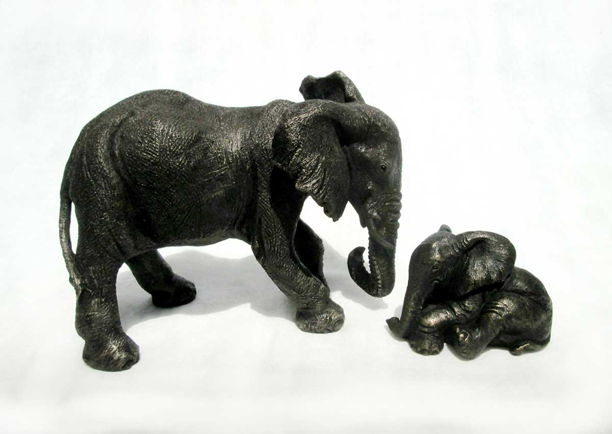 Elephant and calf sculpture by Suzie Marsh