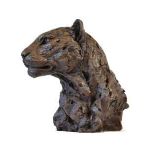 Head of a leopard in bronze