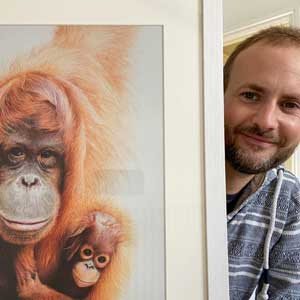 artist martin aveling with pencil drawing
